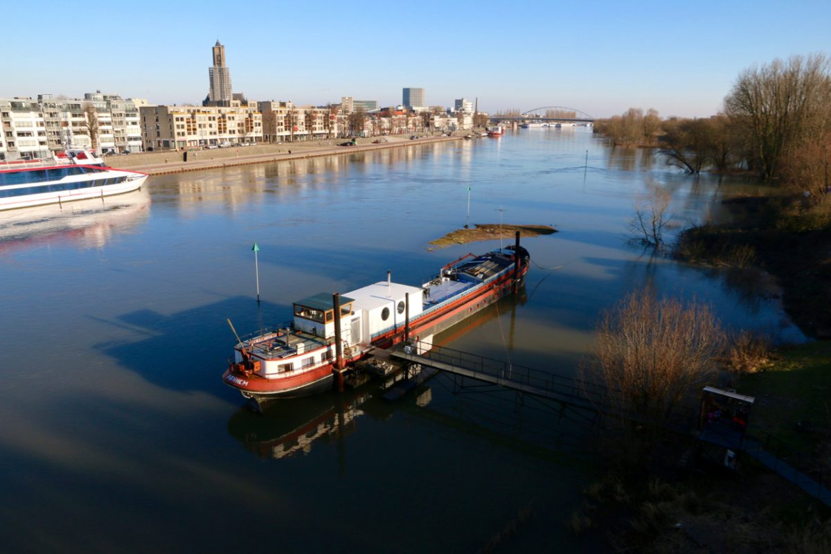 Arnhem en water: getemde beek, ruige rivier